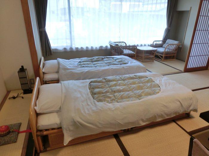 和室にベッドをご用意致しました。